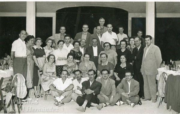 Médicos y sus esposas hacia 1960