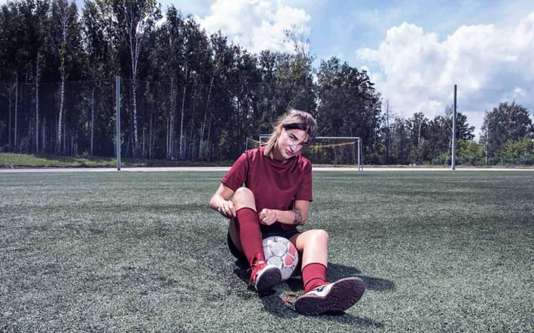 Football féminin: des blessures bien spécifiques