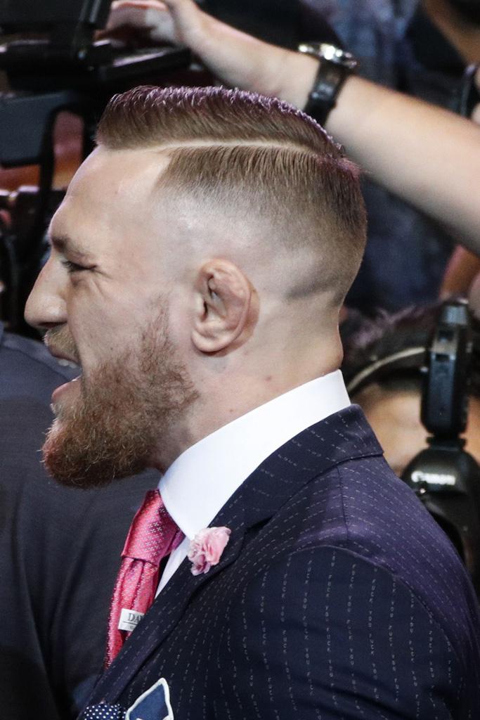 conor-mcgregor-fuck-you-suit