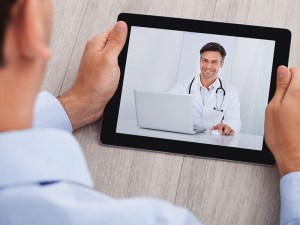 dt_160301_video_chat_skype_doctor_800x600
