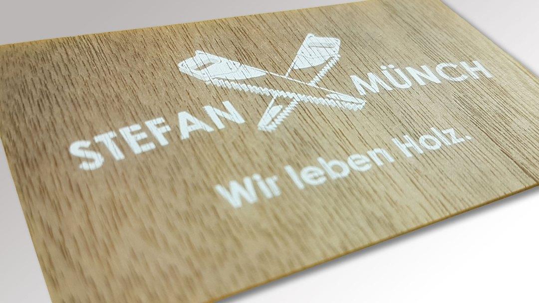 Visitenkarten Aus Holz mit Weissdruck von Druck+Medien Heiligenhaus