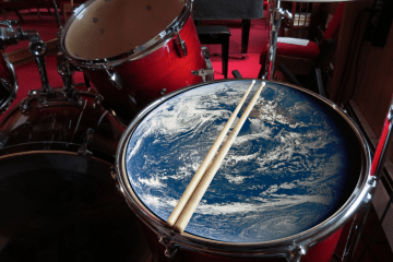 Earth on floor tom drum