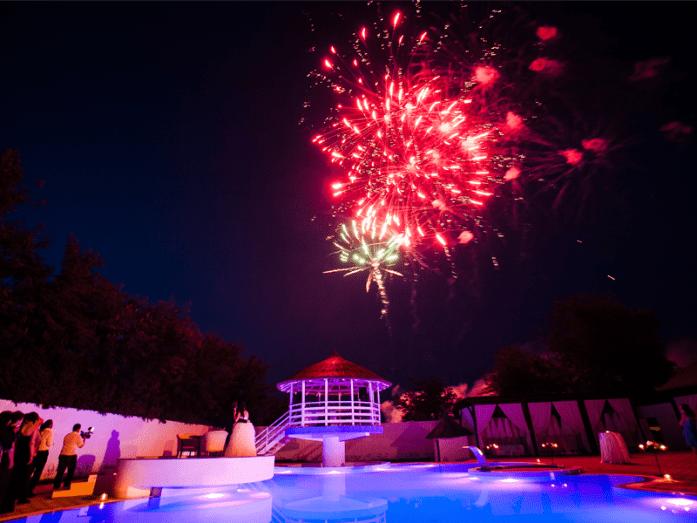 3-salon-nunta-foc-artificii-piscina