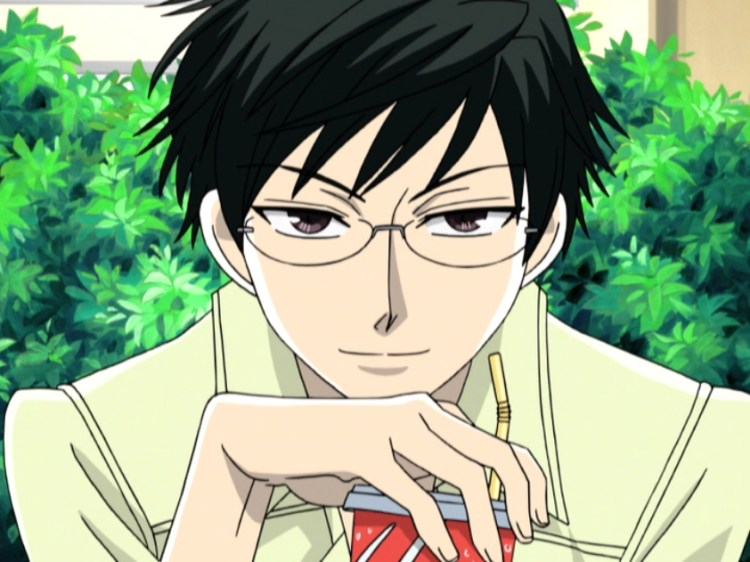Kyoya_Ootori_with_a_drink