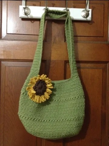 Crochet market tote pattern with sunflower