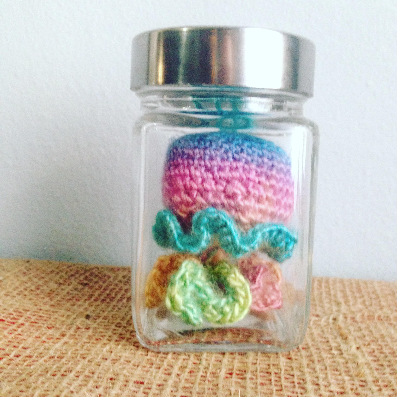 Free Crochet Pattern – Jellyfish in a jar
