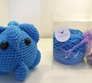 Kit to crochet a cold virus