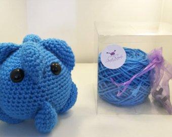 Kit to crochet a cold virus