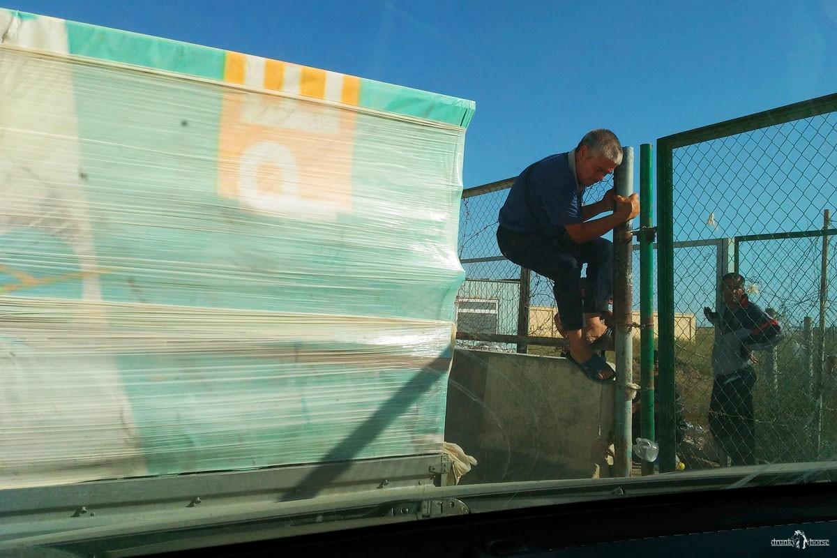В Узбекистан на авто. КПП Тажен -Каракалпакия