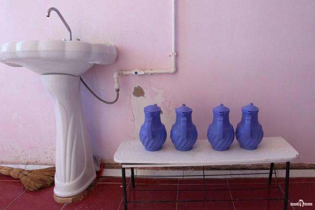 Узбекистан. Умывальник в чайхане