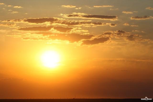 Закат в степи. Казахстан - Узбекистан