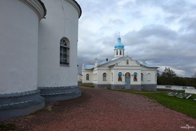 Собор Успения Богородицы и «пещерный» храм в честь святых Киево-Печерской Лавры