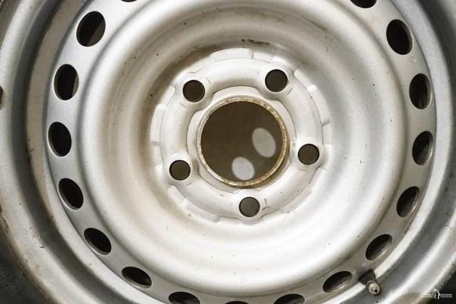 Штампованные диски или литые на авто