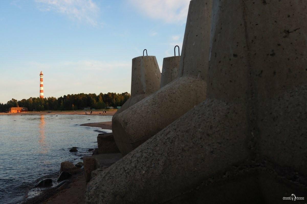 Пляж у Осиновецкого маяка