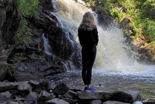 "Делаем фото на фоне водопада ""Белые мосты"""