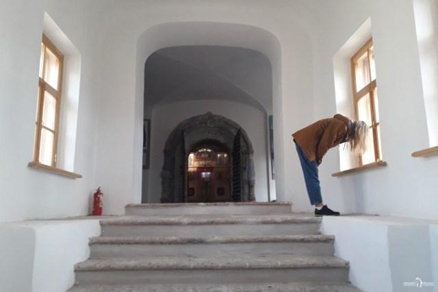 Лестница при входе в собор