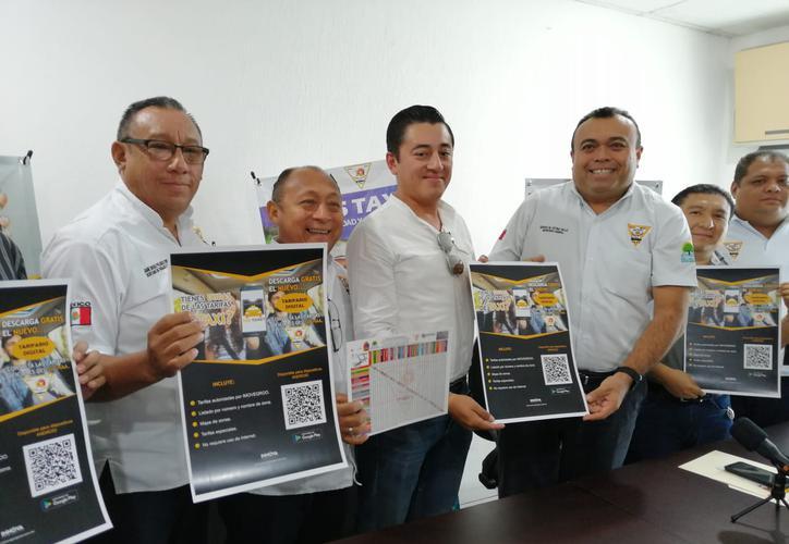 Frenarán abusos de taxistas con aplicación móvil en Quintana Roo