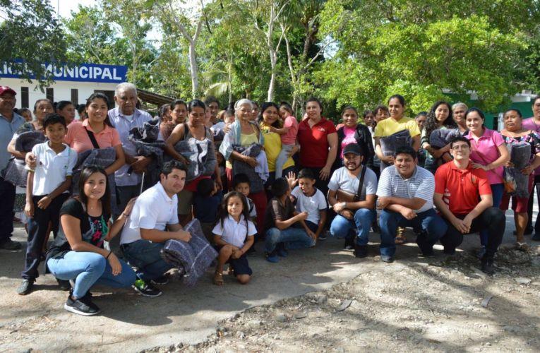 """Protege Ayuntamiento de Isla Mujeres a familias más vulnerables con programa """"Cobijando un Hogar"""""""