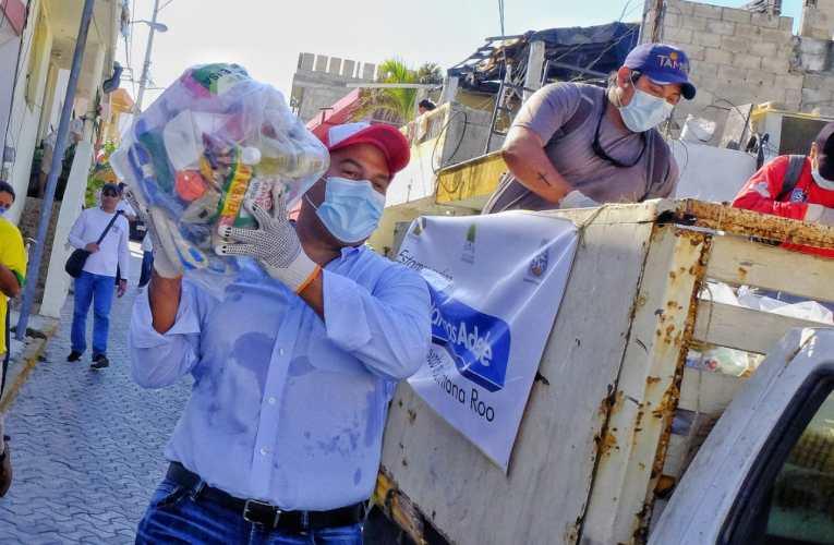En conjunto con el Gobierno del Estado, Ayuntamiento entrega ayuda alimentaria a familias vulnerables de Isla Mujeres