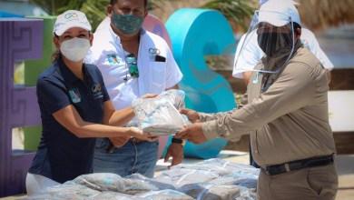 Photo of Entrega Laura Fernández uniformes a trabajadores de la Dirección de Servicios Públicos