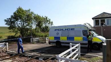 Photo of Al menos 3 muertos por descarrilamiento de tren en Escocia