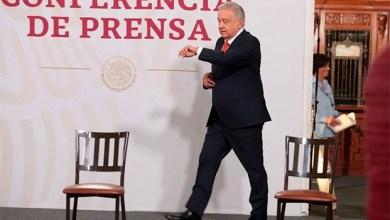 Photo of AMLO revela que manda a hacer sus trajes con un sastre de Ecatepec