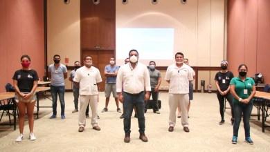 """Photo of Van 10 hoteles que participan en el curso de """"Manejo y Conservación de la Tortuga Marina"""" en Isla Mujeres"""