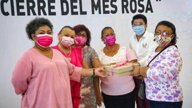 Photo of Cierra Gobierno de Isla Mujeres 'Mes Rosa' con entrega de prótesis