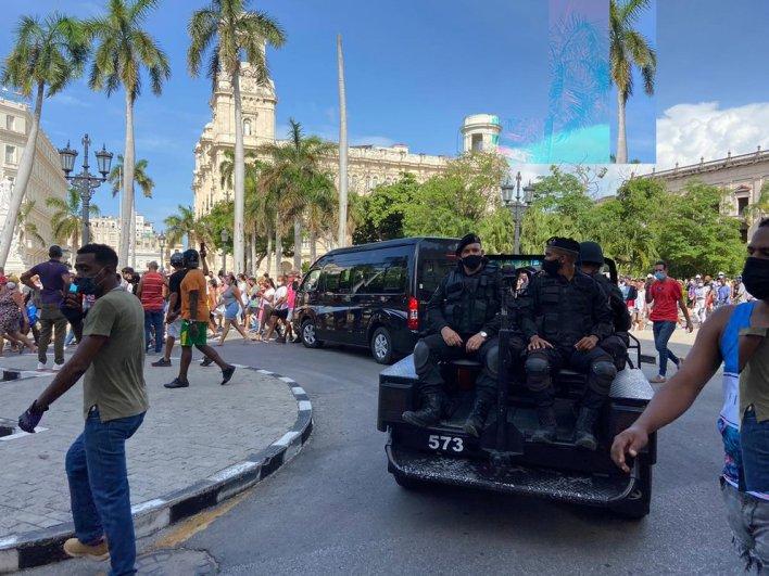 Díaz Canel ordenó la represión