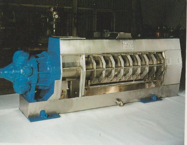 Horizontal screw press