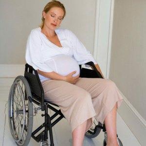 woman pregnant wheelchair