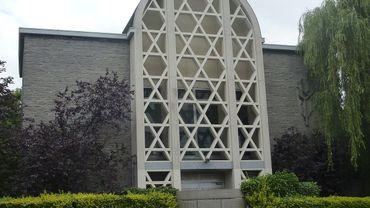 L'ancienne façade, à l'époque de la synagogue, l'une des plus emblématiques de Bruxelles.