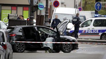 Le véhicule retrouvé à Paris et portant des plaques belges.