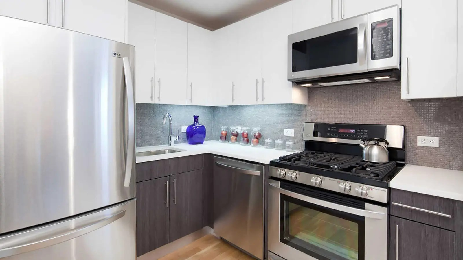 kitchen appliances brooklyn table with stools 175 kent avenue nyc rental apartments cityrealty
