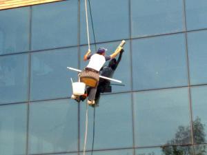 شركة تنظيف واجهات زجاج بالرياض شركة تنظيف واجهات زجاج بالرياض Cleaning and glass facades
