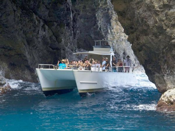 Liko Kauai - Dolphin Watch Na Pali Coast Snorkel Cruise Kikiaola Harbor Tourmega