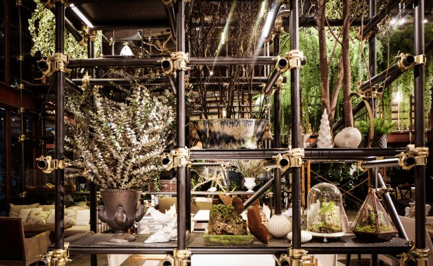 11_Scaffolding structures used as decorative shelves