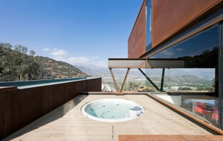 twelve-shipping-containers-combined-into-a-modern-mountain-house-10