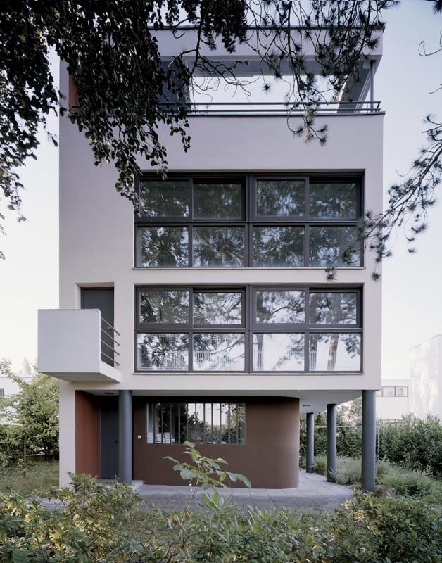 5 Weissenhof-Siedlung-Estate-Stuttgart-Germany_Le-Corbusier_UNESCO_Birgita-Gonzales-Landeshauptstadt_dezeen_1-1