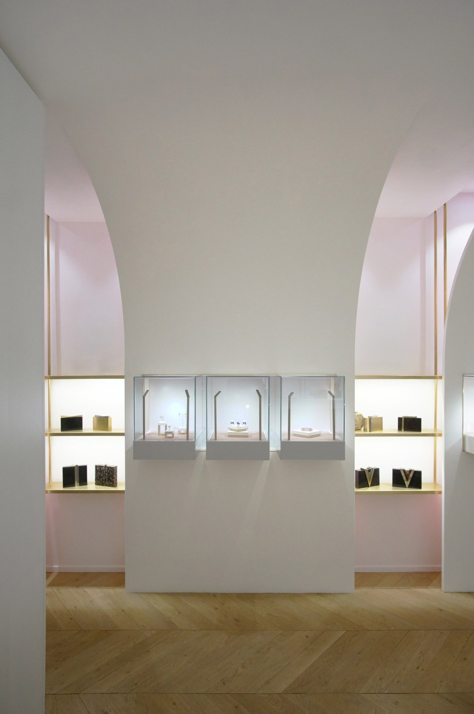 nuun-jewellery-shop-java-architectes-interiors-retail-paris-france_dezeen_2364_col_2