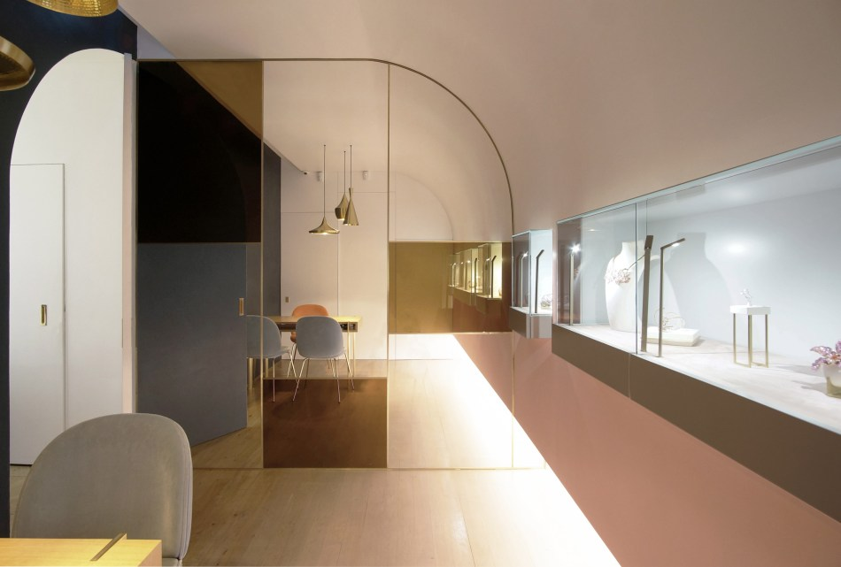 nuun-jewellery-shop-java-architectes-interiors-retail-paris-france_dezeen_2364_col_4