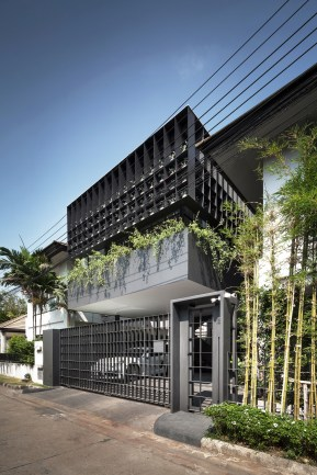 2_Front facade2