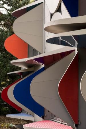 manuel-herz-ballet-mechanique-housing-zurich-switzerland-designboom-05