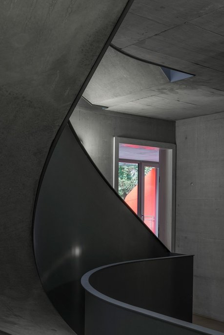 manuel-herz-ballet-mechanique-housing-zurich-switzerland-designboom-07