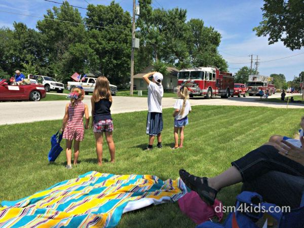 Break out the Camera: It's National Photography Day – dsm4kids.com