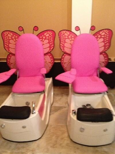 Cool Signature Nails Spa Kid Pedicure Chairs Dsm4Kids Creativecarmelina Interior Chair Design Creativecarmelinacom