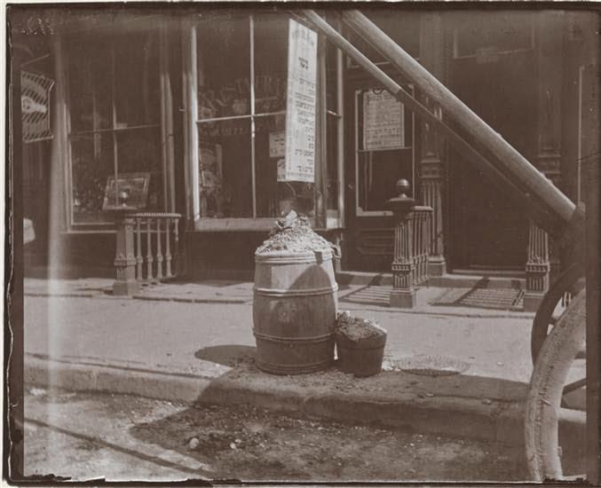 ash barrel 1890