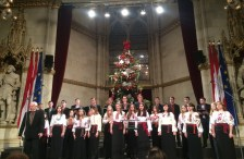 Performance of Gaudeamus Student Choir in the Vienna City Hall within the framework of traditional International Christmas chanting