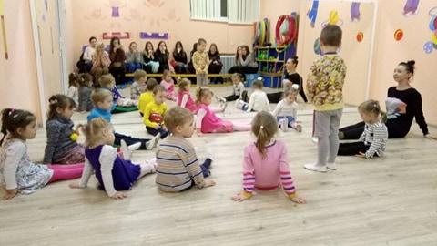 Відкрите заняття з хореографіі у дитячому садочку для студентів факультету початковоі та мистецькоі освіти