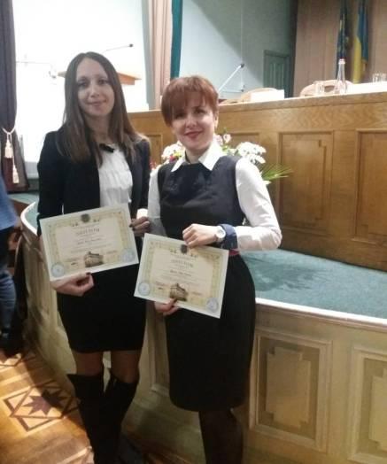 На фото (зліва направо) доцент Ніна Грибок та старший викладач Марія Ярушак